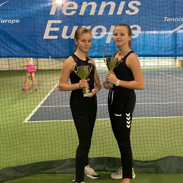 Oriana na podium w turnieju Tennis Europe