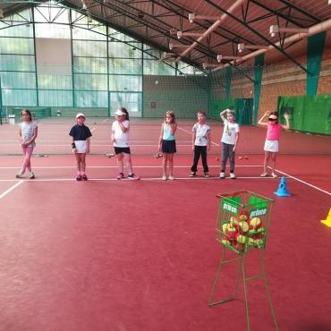 Zajęcia z najmłodszymi tenisistami.
